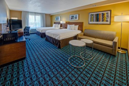 Fairfield Inn and Suites by Marriott Orlando Near Universal Orlando photo 18