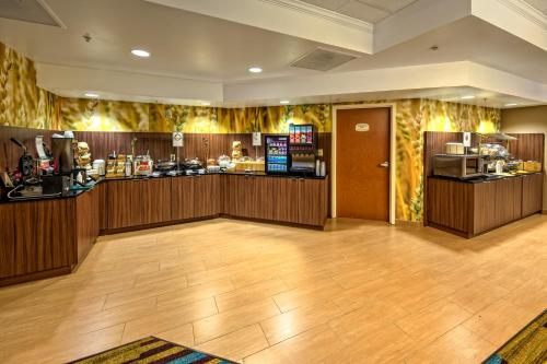 Fairfield Inn and Suites by Marriott Orlando Near Universal Orlando photo 20