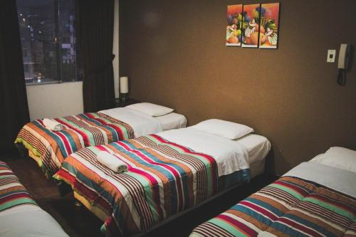 Tupac Lima Airport Hostel Photo