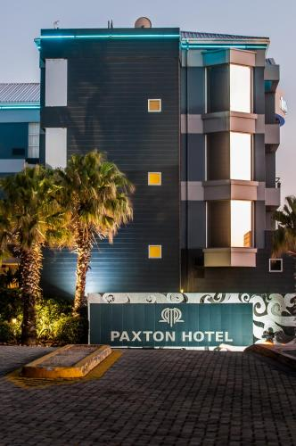 Paxton Hotel Photo