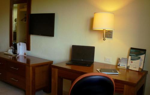 Comfort Inn Puerto Vallarta Photo