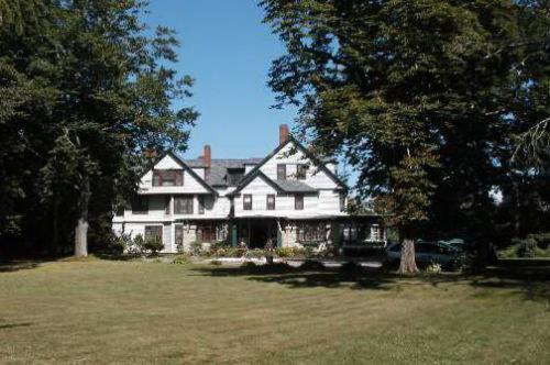 Eden Manor Photo