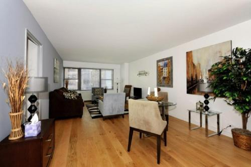 holiday accommodation new york apartment. one-bedroom near times square holiday accommodation new york apartment /
