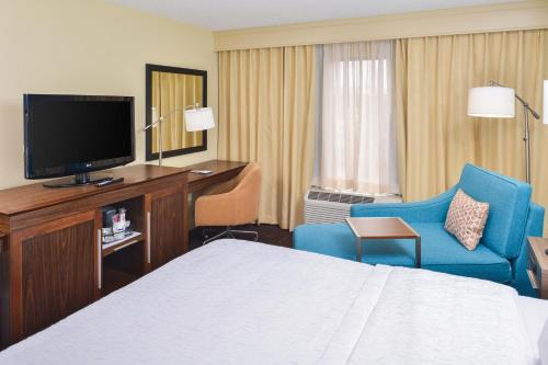 Hampton Inn & Suites Vero Beach Outlets Photo