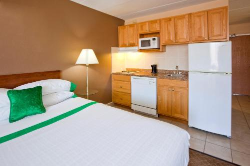 GuestHouse Inn & Suites Rochester Photo