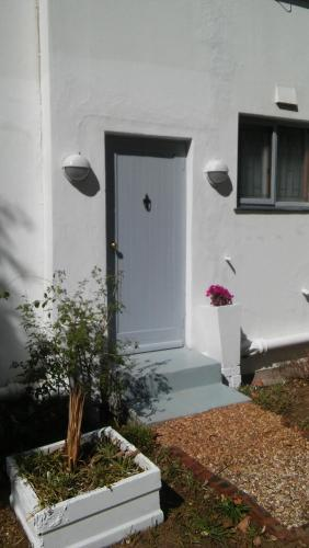 Airlie Cottage Photo
