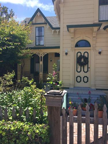 The Squibb Houses - Cambria, CA 93428