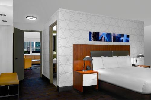 DoubleTree by Hilton Metropolitan New York City Photo