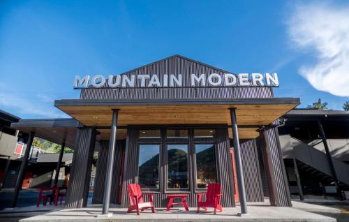 Mountain Modern Motel Photo