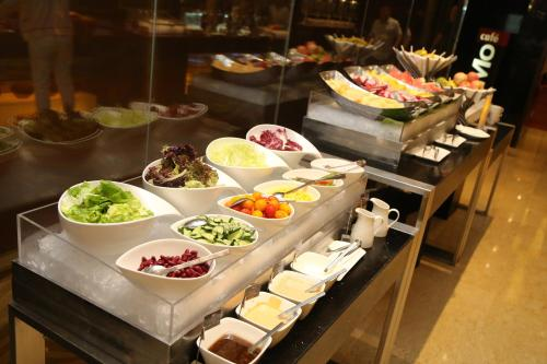 Courtyard By Marriott Shanghai Xujiahui photo 28