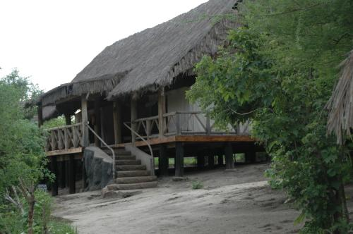 Roika Tarangire Tented Lodge, Kwa Kuchinia