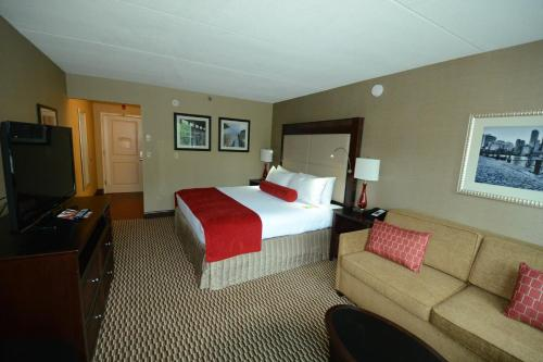 Crowne Plaza Boston - Woburn Photo