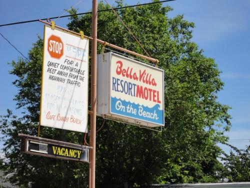 Bella Villa Resort Motel Photo