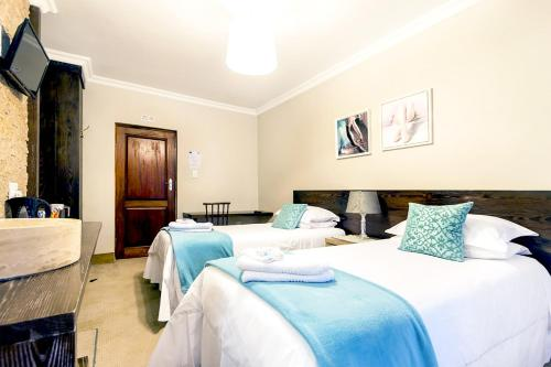 OR Tambo Guest House Photo