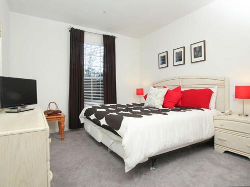 Windsor Palms Two Bedroom Apartment S5G Photo