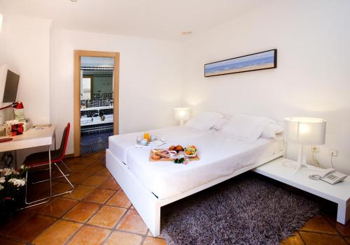 Hotel Nou Roma in Denia from €70