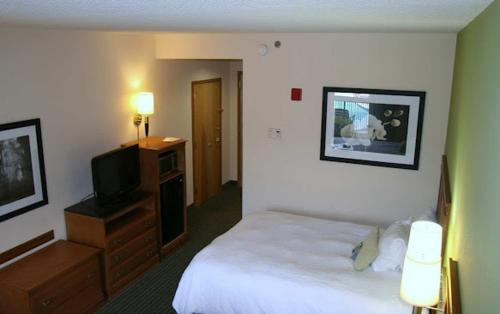 Hampton Inn Birmingham I-65/Lakeshore Drive Photo