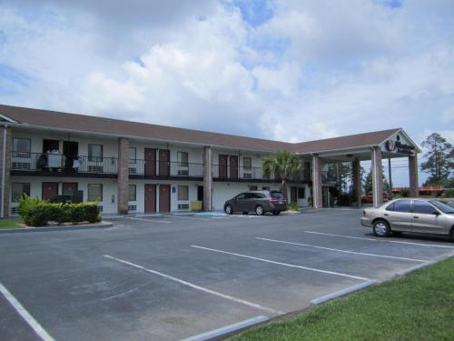 Western Inn & Suites Photo