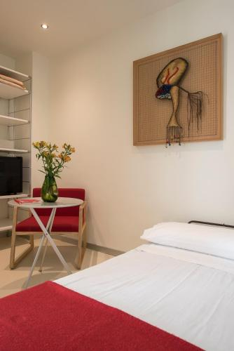 Superior Double Room with Extra Bed Hostal Boutique Alcoba 2