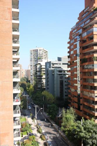 Monarca Las Condes Apartments Photo