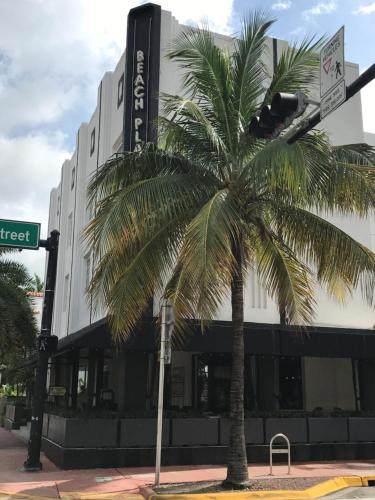 South Beach Plaza Hotel Photo