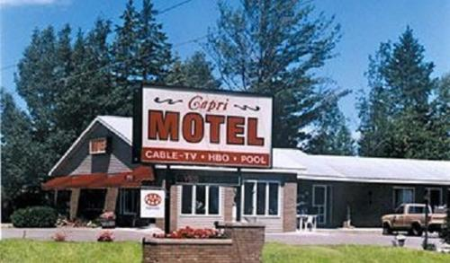 Capri Motel Mackinaw City