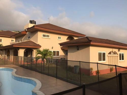 Seaview Estate Villas, Freetown