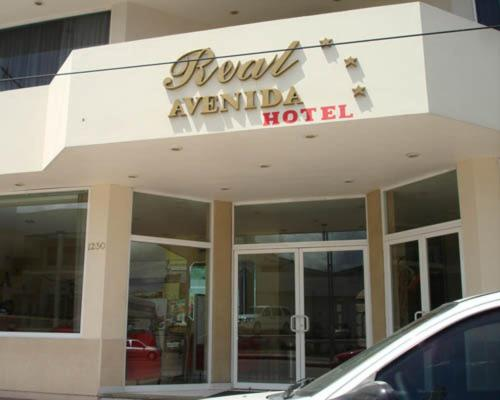 Real Avenida Hotel Photo