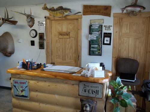 Budget Host Elk Antler Inn Photo