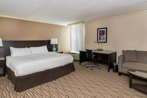 Holiday Inn Cleveland - Strongsville - Airport Photo