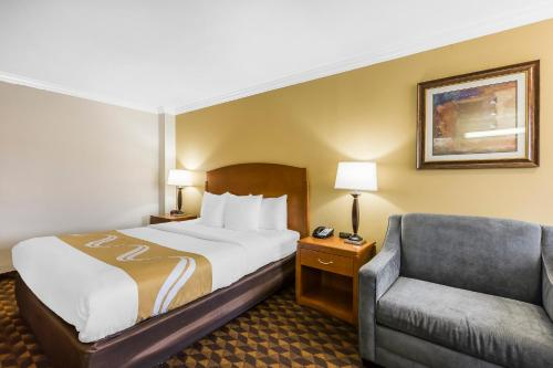 Quality Inn & Suites Los Angeles Airport - LAX Photo
