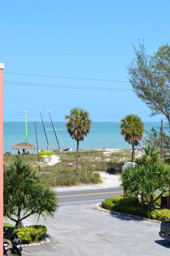 Silver Surf Gulf Beach Resort Photo