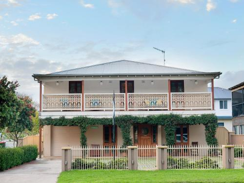 Shoal Bay Bed & Breakfast (18 years and over only)