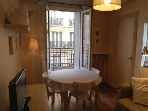 Apartment Joseph De Maistre photo 18