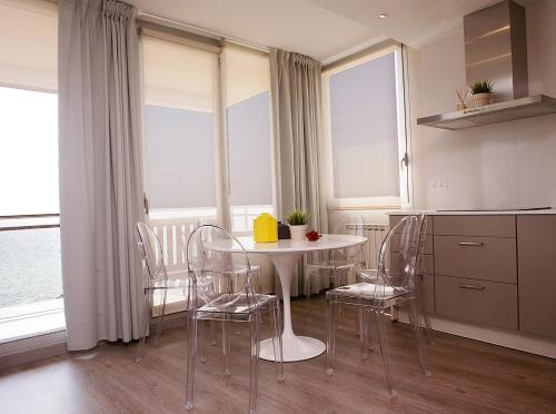 Great Sea-Side Barcelona Apartment photo 12