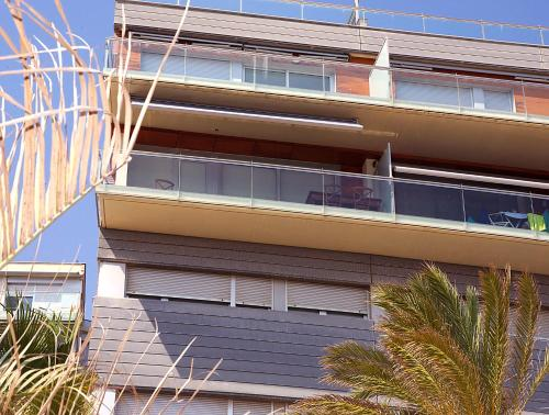 Great Sea-Side Barcelona Apartment photo 26
