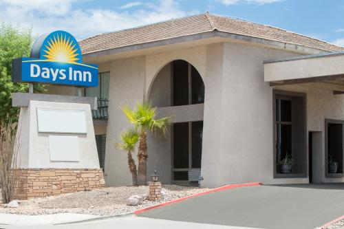 Days Inn Lake Havasu Photo