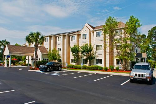Picture of Microtel Inn & Suites by Wyndham Brunswick