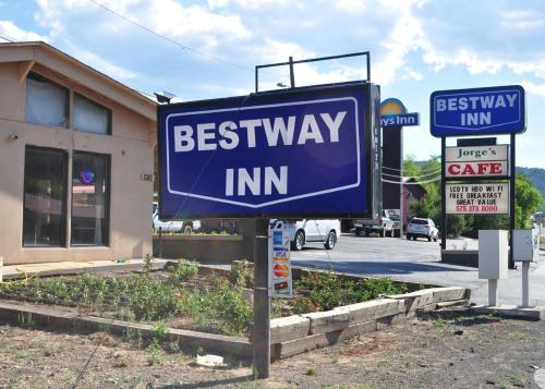 bestway inn ruidoso downs nm united states overview. Black Bedroom Furniture Sets. Home Design Ideas
