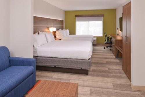Holiday Inn Express Mineral Wells Photo