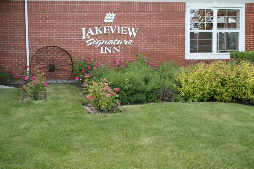 Lakeview Signature Inn - Calgary