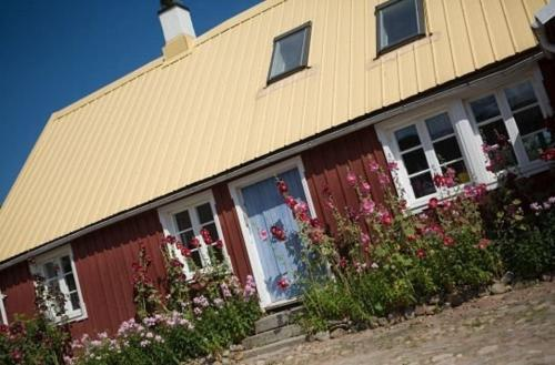 Photo of Spångagården Bed and Breakfast Hotel Bed and Breakfast Accommodation in Förslöv N/A