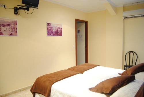 Hostal Guilleumes photo 9