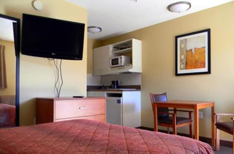 Stay Inn & Suites - Stockbridge Photo