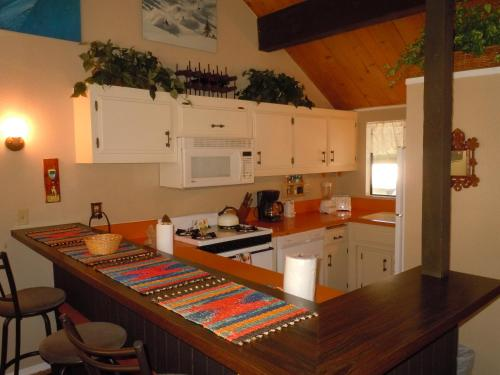 Three-Bedroom Standard Unit #122 by Escape For All Seasons - Big Bear Lake, CA 92315
