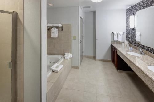 Hilton Garden Inn Nashville Vanderbilt Photo