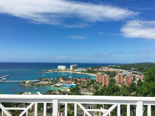 Amazing View, Ocho Rios