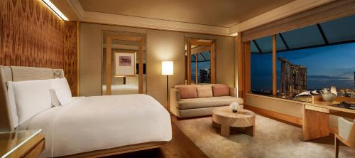 The Ritz-Carlton, Millenia Singapore - 4 of 48