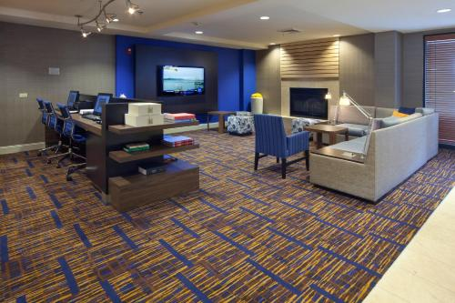 Courtyard by Marriott Orlando East/UCF Area photo 2