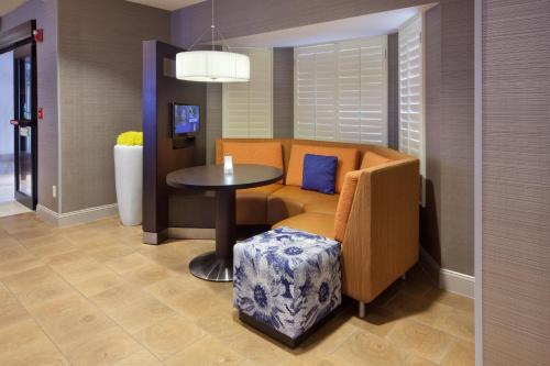Courtyard by Marriott Orlando East/UCF Area photo 9